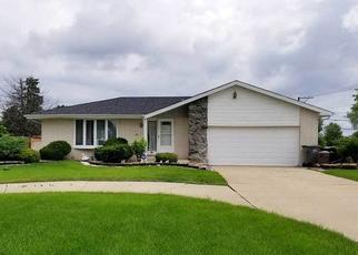 Short Sale in Orland Park 60462 MEADOW LN - Property ID: 6331450807