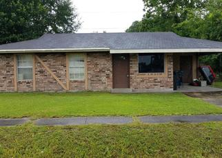 Short Sale in Lafayette 70503 GUIDRY RD - Property ID: 6331457366