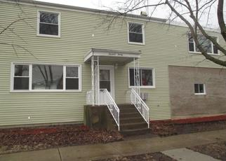 Short Sale in Melrose Park 60160 N 32ND AVE - Property ID: 6331462623