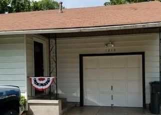 Short Sale in Collinsville 74021 W SPRING ST - Property ID: 6331643508
