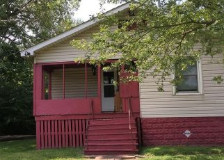 Short Sale in East Saint Louis 62204 N 42ND ST - Property ID: 6331686876