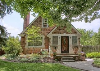 Short Sale in Grosse Pointe 48230 LORAINE ST - Property ID: 6331696499