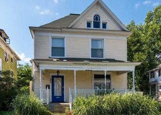 Short Sale in New Albany 47150 EKIN AVE - Property ID: 6331709643