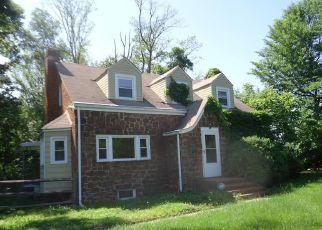 Short Sale in Great Falls 22066 SENECA RD - Property ID: 6331983369
