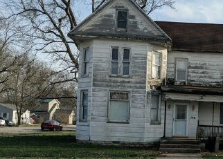 Short Sale in Beckemeyer 62219 E 1ST ST - Property ID: 6332068337