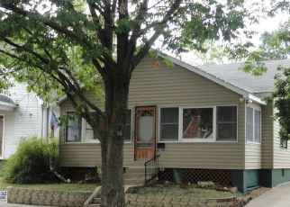 Short Sale in Canton 61520 N 5TH AVE - Property ID: 6332094622