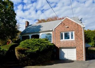 Short Sale in North Haven 06473 HARTFORD TPKE - Property ID: 6332183978