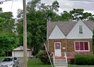 Short Sale in Wayne 48184 HOWE RD - Property ID: 6332197544