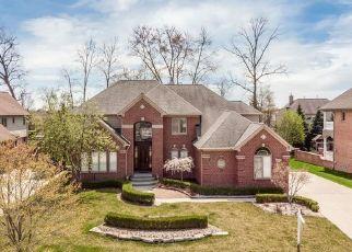 Short Sale in Utica 48315 BLUE LAKES CIR - Property ID: 6332198867