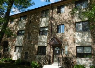 Short Sale in Harwood Heights 60706 W LAWRENCE AVE - Property ID: 6332204551
