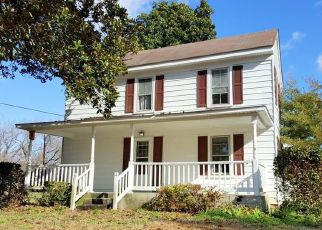Short Sale in Hayes 23072 PROVIDENCE RD - Property ID: 6332464263
