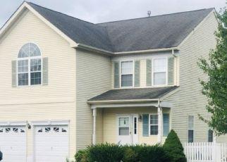 Short Sale in Stewartsville 08886 HAMILTON DR - Property ID: 6332518580