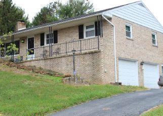 Short Sale in York 17407 HILLSIDE DR - Property ID: 6332525589