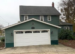 Short Sale in Barberton 44203 SUMMIT RD - Property ID: 6332593472
