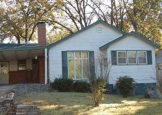 Short Sale in Poplar Bluff 63901 FAIRMOUNT ST - Property ID: 6332751583