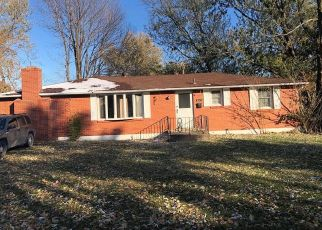Short Sale in Kansas City 64118 N TRACY AVE - Property ID: 6332753775