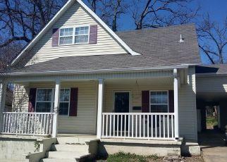 Short Sale in Poplar Bluff 63901 SPRING ST - Property ID: 6332754198