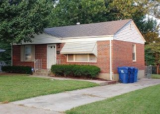 Short Sale in Florissant 63031 SAINT BERNADETTE LN - Property ID: 6332759915
