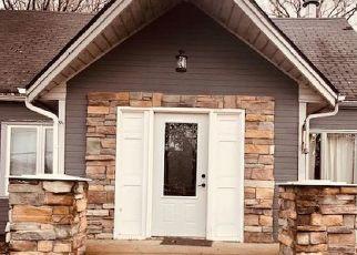 Short Sale in Saint Paul 55109 ARIEL ST N - Property ID: 6332768666