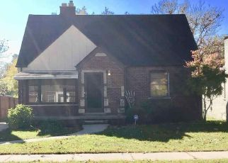 Short Sale in Harper Woods 48225 ROSCOMMON ST - Property ID: 6332778738