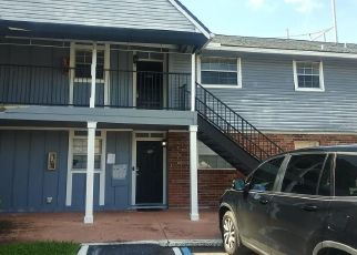 Short Sale in Largo 33771 COUNTRY CLUB DR - Property ID: 6332915378