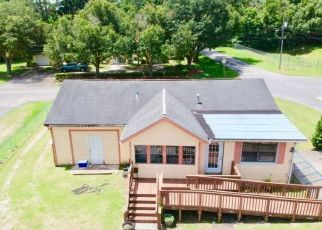 Short Sale in Belleview 34420 SE 113TH ST - Property ID: 6332943860
