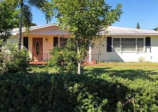Short Sale in Jensen Beach 34957 NE SKYLINE DR - Property ID: 6332970117