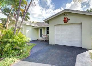 Short Sale in Lake Worth 33460 18TH AVE S - Property ID: 6332974510