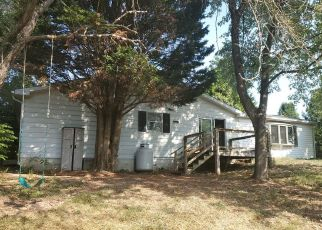 Short Sale in Berkeley Springs 25411 PIOUS RIDGE RD - Property ID: 6333024887