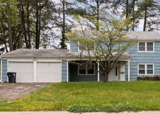 Short Sale in Bowie 20716 HOLIDAY LN - Property ID: 6333039325