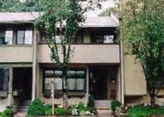 Short Sale in Germantown 20874 SPLIT ROCK LN - Property ID: 6333051595