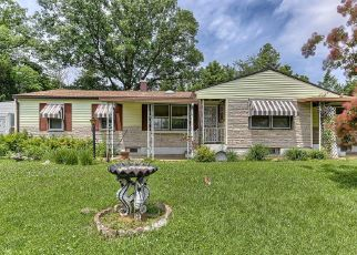 Short Sale in Dover 17315 OAKLAND RD - Property ID: 6333072616