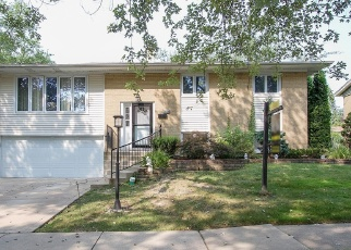 Short Sale in Oak Forest 60452 WILLOW LN - Property ID: 6333217589