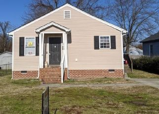 Short Sale in Petersburg 23803 FERNDALE AVE - Property ID: 6333342401