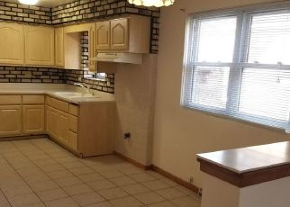 Short Sale in Berwyn 60402 GROVE AVE - Property ID: 6333516727