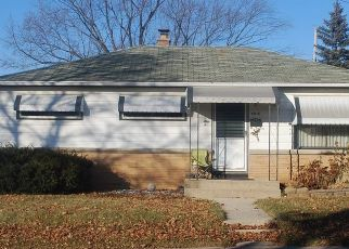Short Sale in Milwaukee 53220 W LYNNDALE AVE - Property ID: 6333700225