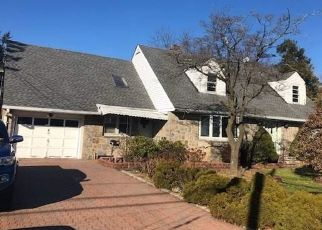 Short Sale in Huntington Station 11746 E 12TH ST - Property ID: 6333744464