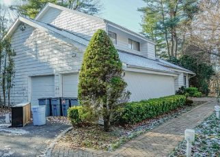 Short Sale in Huntington Station 11746 HUNTING HILL DR - Property ID: 6333891180
