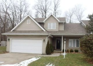 Short Sale in Valparaiso 46383 ARBORDALE DR - Property ID: 6333923601