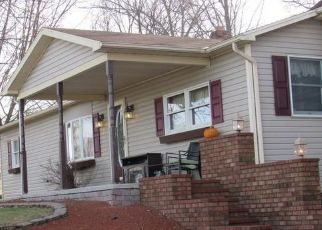 Short Sale in Hanover 17331 PINE GROVE RD - Property ID: 6334232369