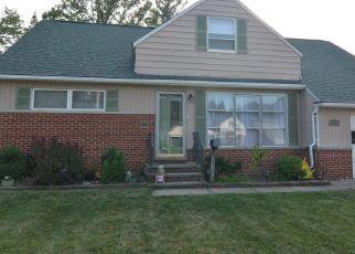 Short Sale in Euclid 44117 BRAEBURN PARK DR - Property ID: 6334254713