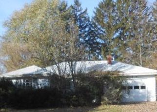 Short Sale in Kendallville 46755 N LIMA RD - Property ID: 6334255587