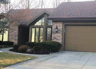 Short Sale in Fort Wayne 46804 WOODLAND RDG W - Property ID: 6334258650