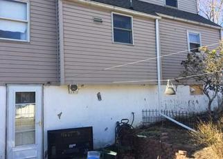 Short Sale in Highland 12528 S GATE RD - Property ID: 6334277932