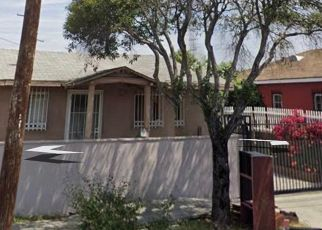 Short Sale in Los Angeles 90003 W COLDEN AVE - Property ID: 6334392227