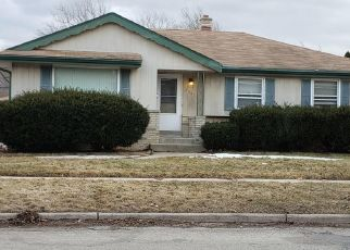 Short Sale in Milwaukee 53223 W ACACIA ST - Property ID: 6334405371