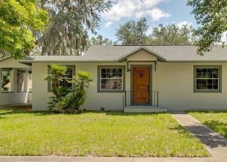 Short Sale in Howey In The Hills 34737 S PALM AVE - Property ID: 6334504346