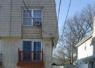 Short Sale in Staten Island 10314 WILLOW RD W - Property ID: 6334876185