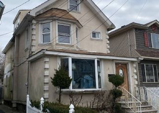 Short Sale in Staten Island 10310 DUBOIS AVE - Property ID: 6334880123