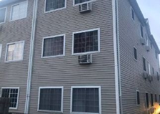 Short Sale in Bronx 10466 E 224TH ST - Property ID: 6334904215